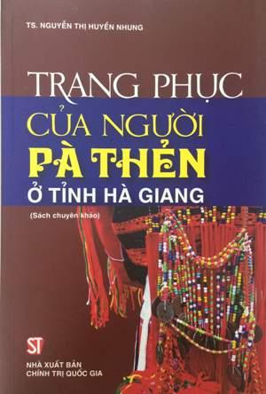Trang phục của người Pà Thẻn ở tỉnh Hà Giang
